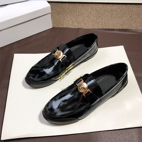 Custom Made Italian Casual Flat Colorful Shoes For Mens Famous Brand Shoes Suprior Quality Patent Leather