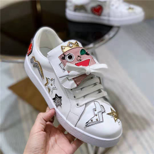 High Quality European Brand Lovers Shoes White Cowhide Fashion Shoes For Couple Featured Image