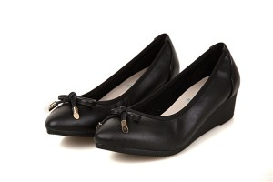 Best Selling Natural Cowhide Fashion Wedges Shoes Women Pointed Dress Shoes With Strap Bow