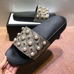 European Trendy men beach slippers pearl rivet slippers Slip On Shoes fashion slippers factory
